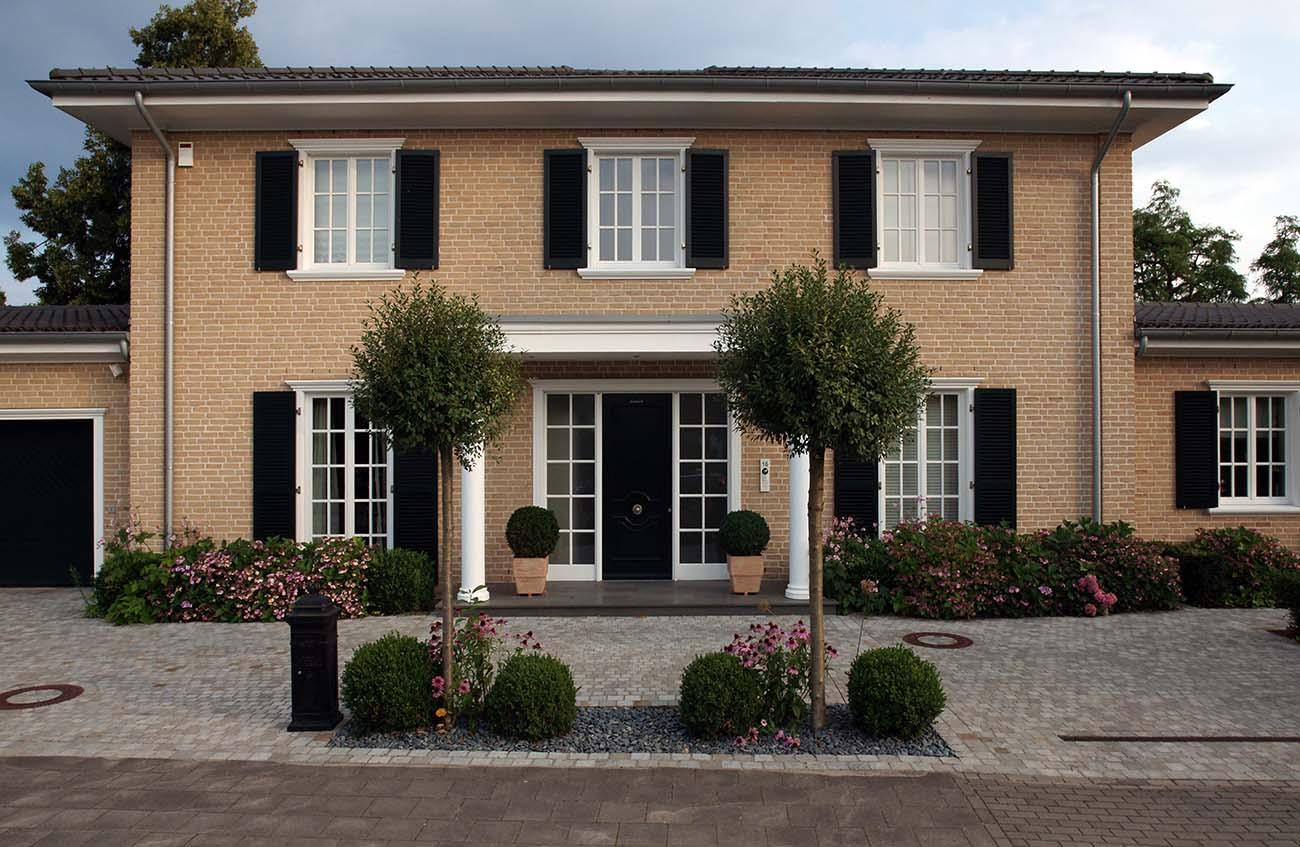 dmw planungsgruppe klassische landhausvilla in meerbusch. Black Bedroom Furniture Sets. Home Design Ideas